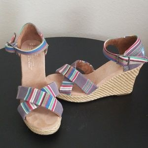 Tom's wedge sandals size 6.5